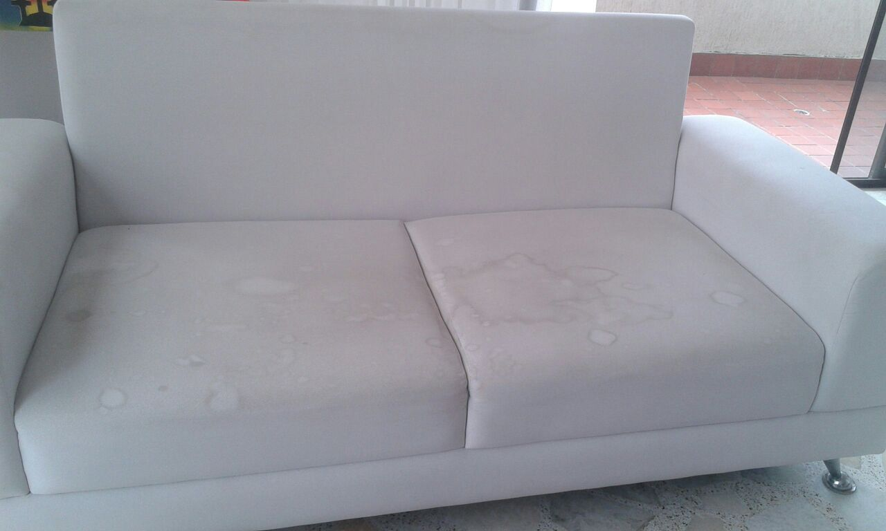 Limpiar sofa en seco amazing no utilizar leja no utilizar - Limpieza en seco en casa ...