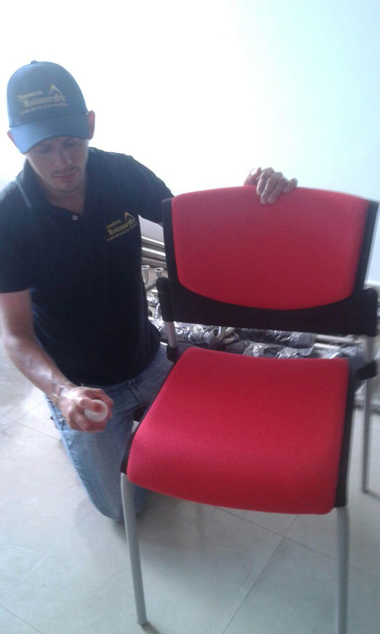 Lavado y Limpieza de Sillas de Oficina